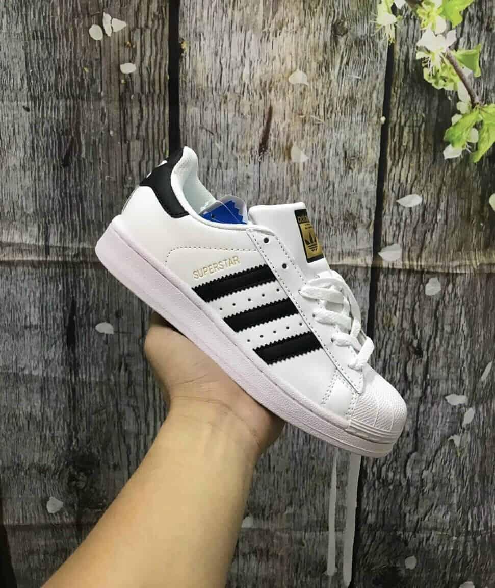 Mũi giày thiết kế vỏ sò độc đáo chỉ riêng Adidas mới có