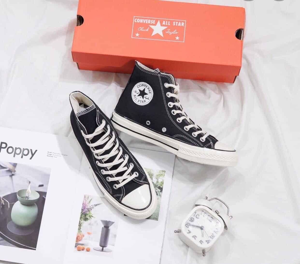 Giày thể thao Converse Đen replica là món đồ không thể thiếu của những dân sành chơi