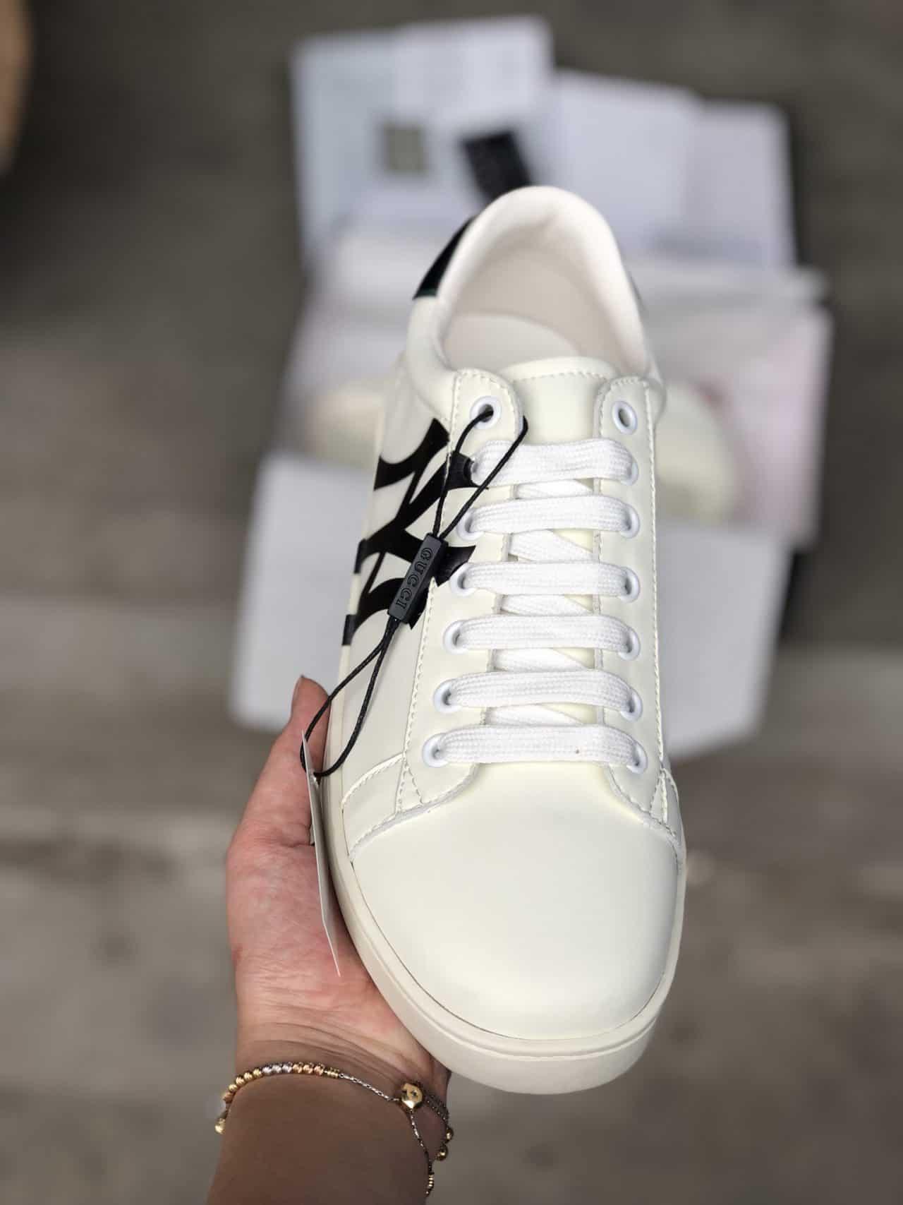 Giày Gucci ACE NY Rep 1:1 có hình ảnh chữ NY bắt mắt