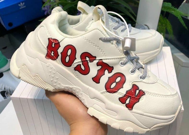 Giày MLB Boston Đỏ rep 1:1 là một siêu phẩm Sneaker đẹp, mang phong cách hiện đại