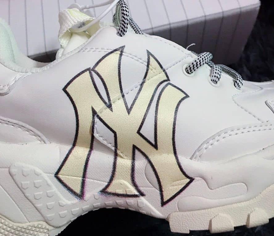 Giày MLB NY Vàng rep 1:1 phù hợp với nhiều phong cách thời trang