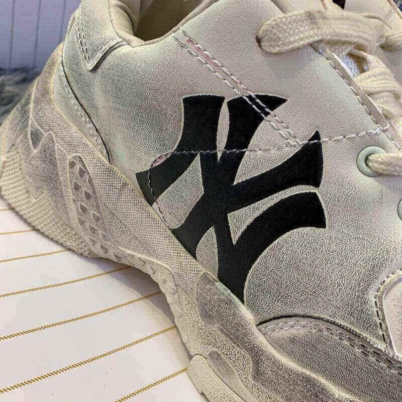 Giày MLB bẩn NY Đen rep 1:1 có thiết kế thô kệch nhưng năng động, cực cá tính