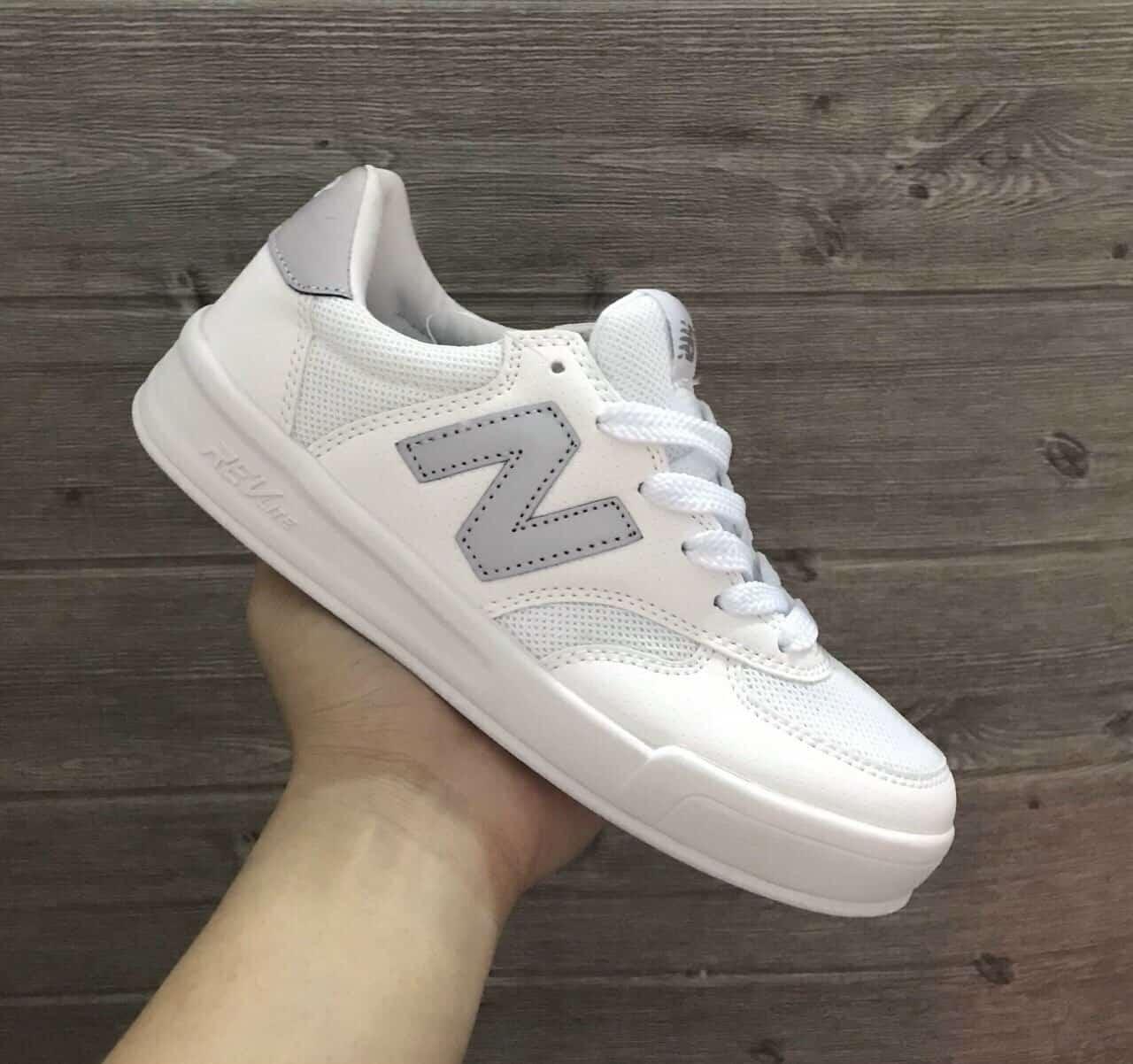 Giày New Balance Xám rep 1:1 có sự kết hợp hai màu Xám Trắng hài hòa