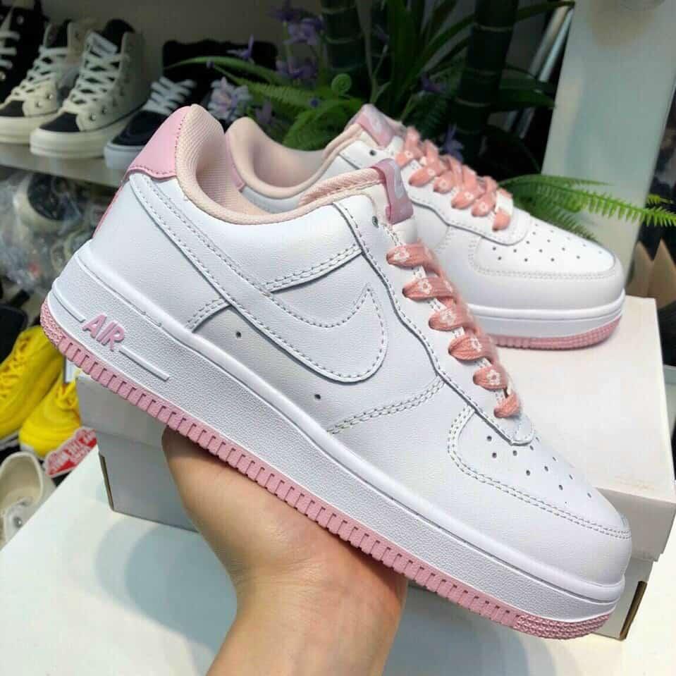 Giày Nike Air Force 1 đế Hồng rep 1:1 nhận được sự săn đón nồng nhiệt của phái đẹp