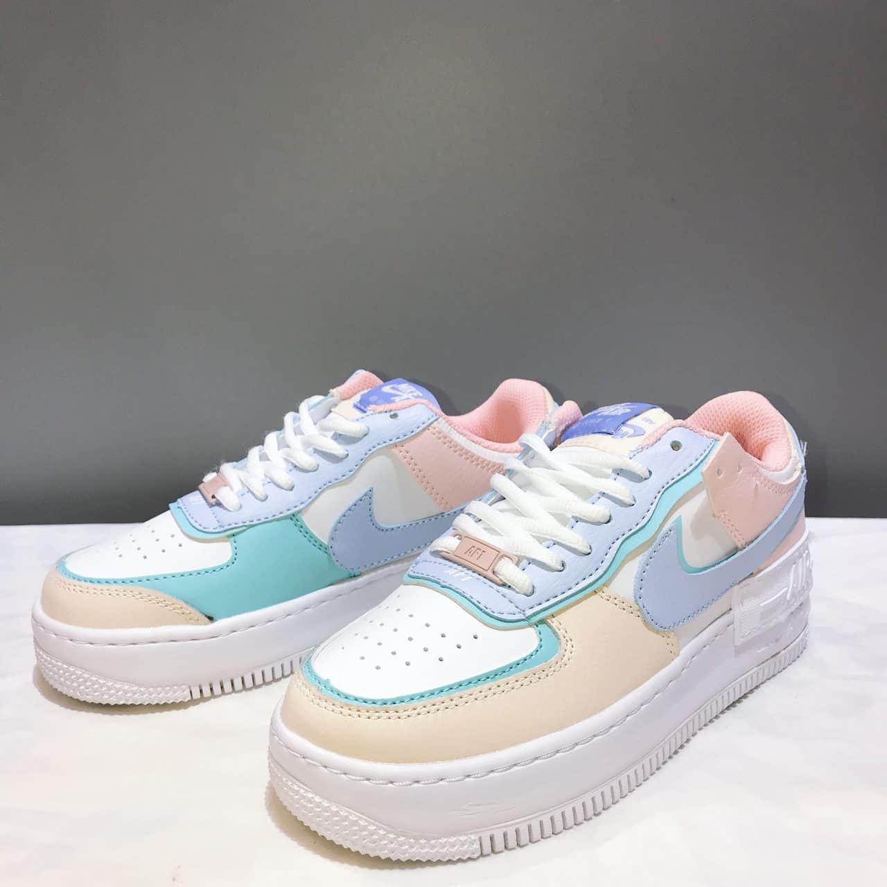 Form giày Nike Air Force 1 đứng dáng, xịn sò