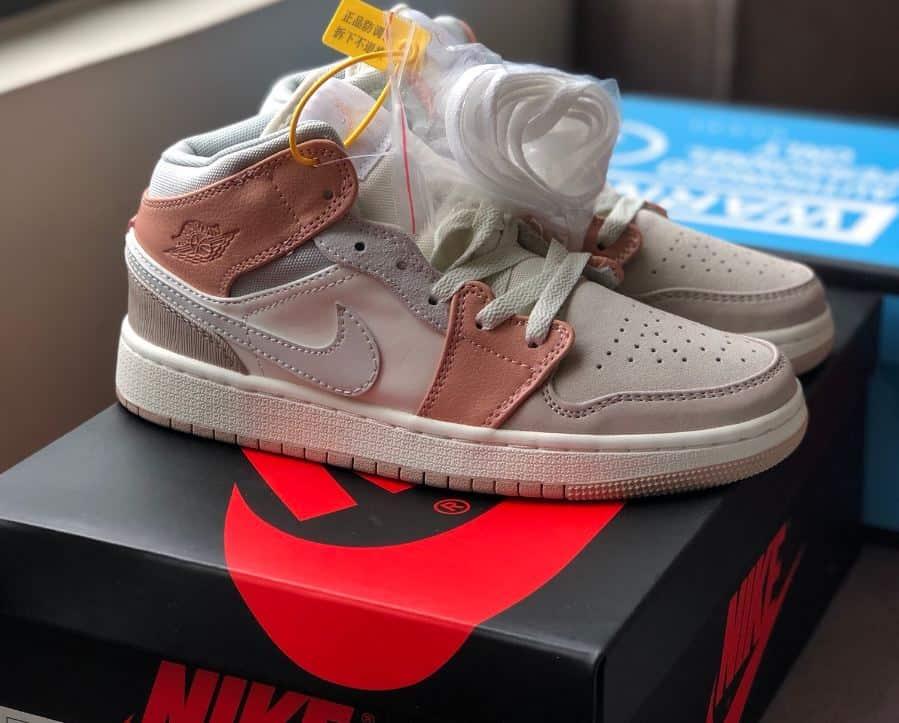 Giày Jordan 1 High Milan rep 1:1 có khả năng thấm hút mồ hôi tốt