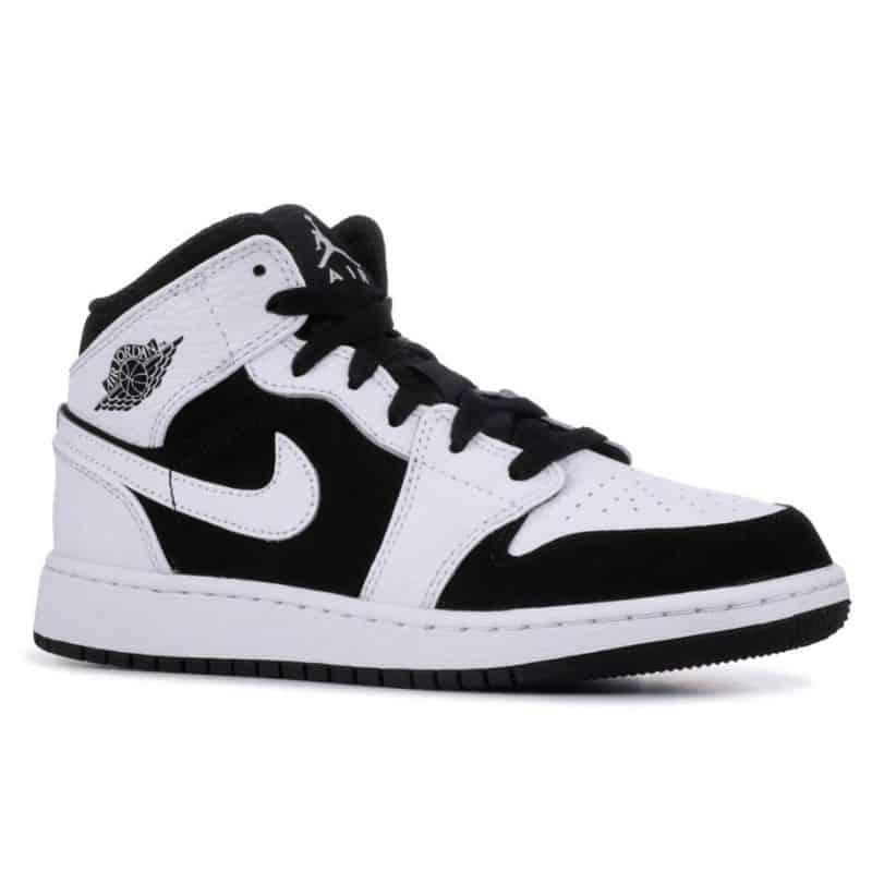 Giày Jordan 1 High Trắng Đen rep 1:1 có đường may đều tăm tắp
