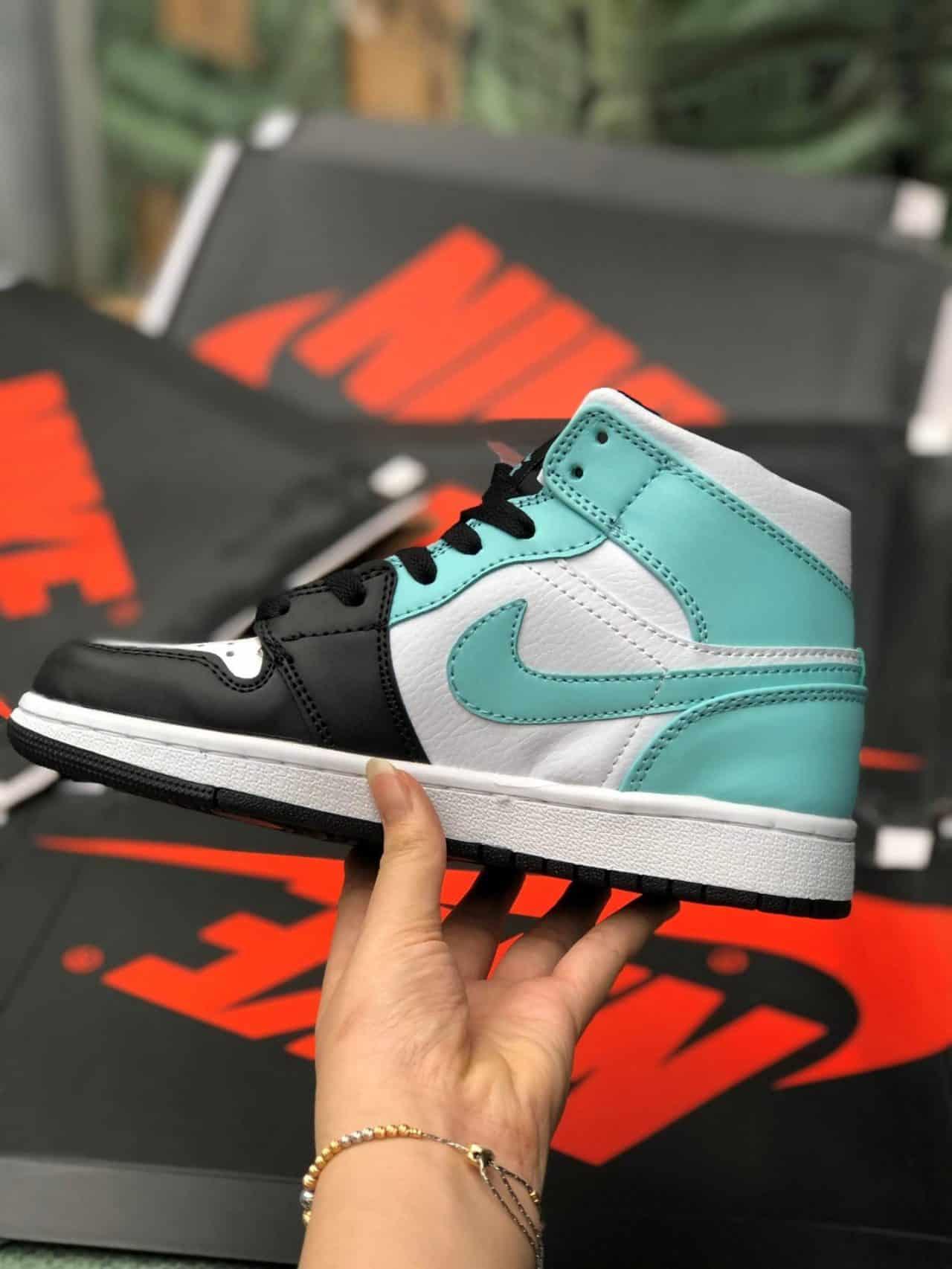 Giày Jordan 1 High Xanh Nhạt rep 1:1 được gia công tỉ mỉ, chau truốt