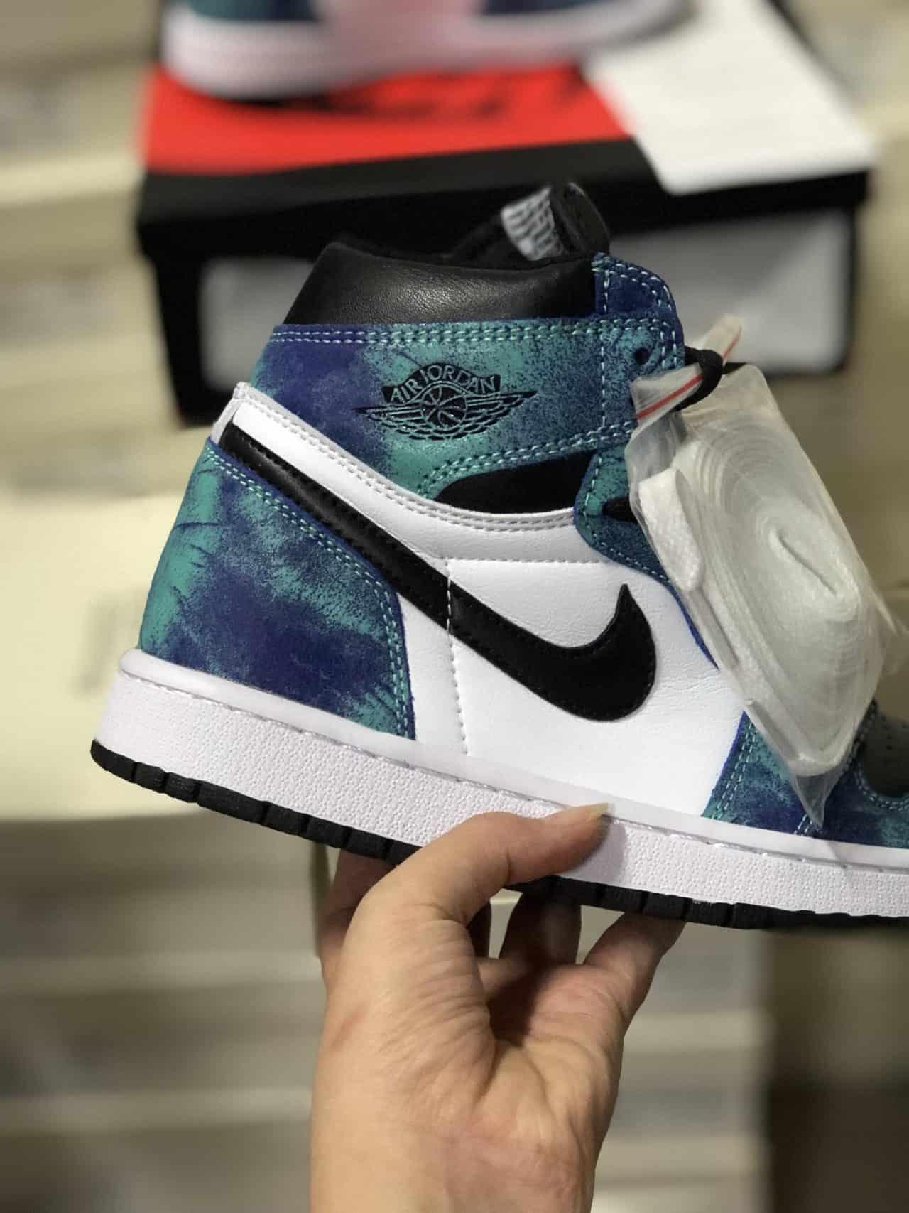 Giày Jordan 1 High Tie Dye rep 1:1 có nhiều size cho bạn tùy ý lựa chọn