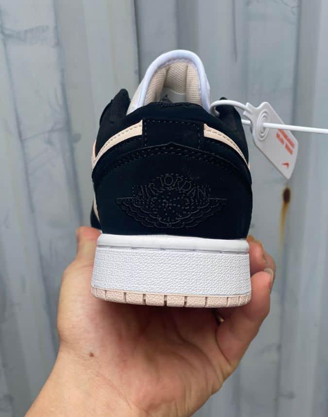 Giày Jordan 1 Low Hồng Đen rep 1:1 có kích cỡ thông dụng, khách hàng dễ dàng tìm được sản phẩm phù hợp