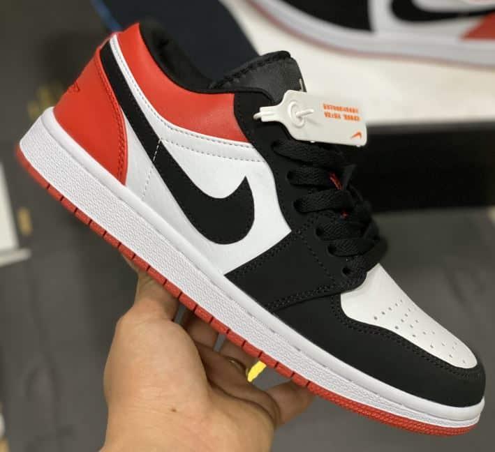 Giày Nike Jordan 1 Low Đỏ Đen rep 1:1 được đánh giá là một sản phẩm có thiết kế bắt mắt, hiện đại