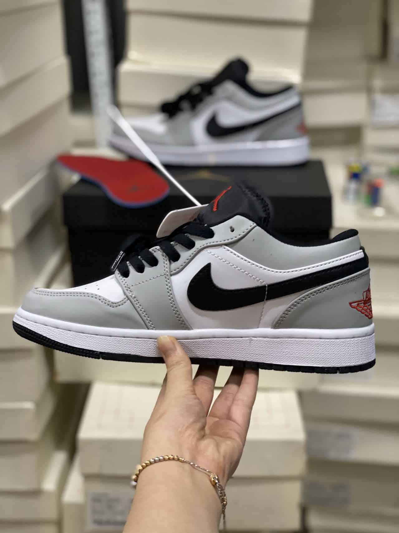 Giày Jordan 1 Low Smoke Grey rep 1:1 thiết kế năng động, phù hợp với mọi bạn trẻ