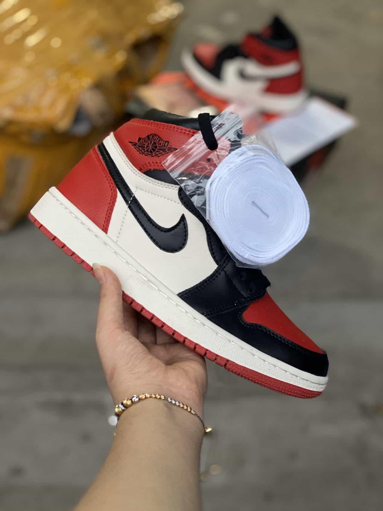 Giày Jordan 1 High Chicago rep 1:1 có sức hút đối với giới trẻ