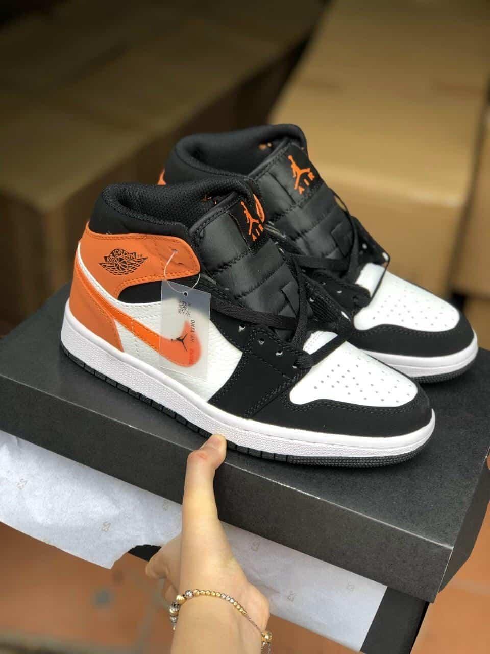 Đi giày Jordan 1 High Cam rep 1:1 không lo bí chân
