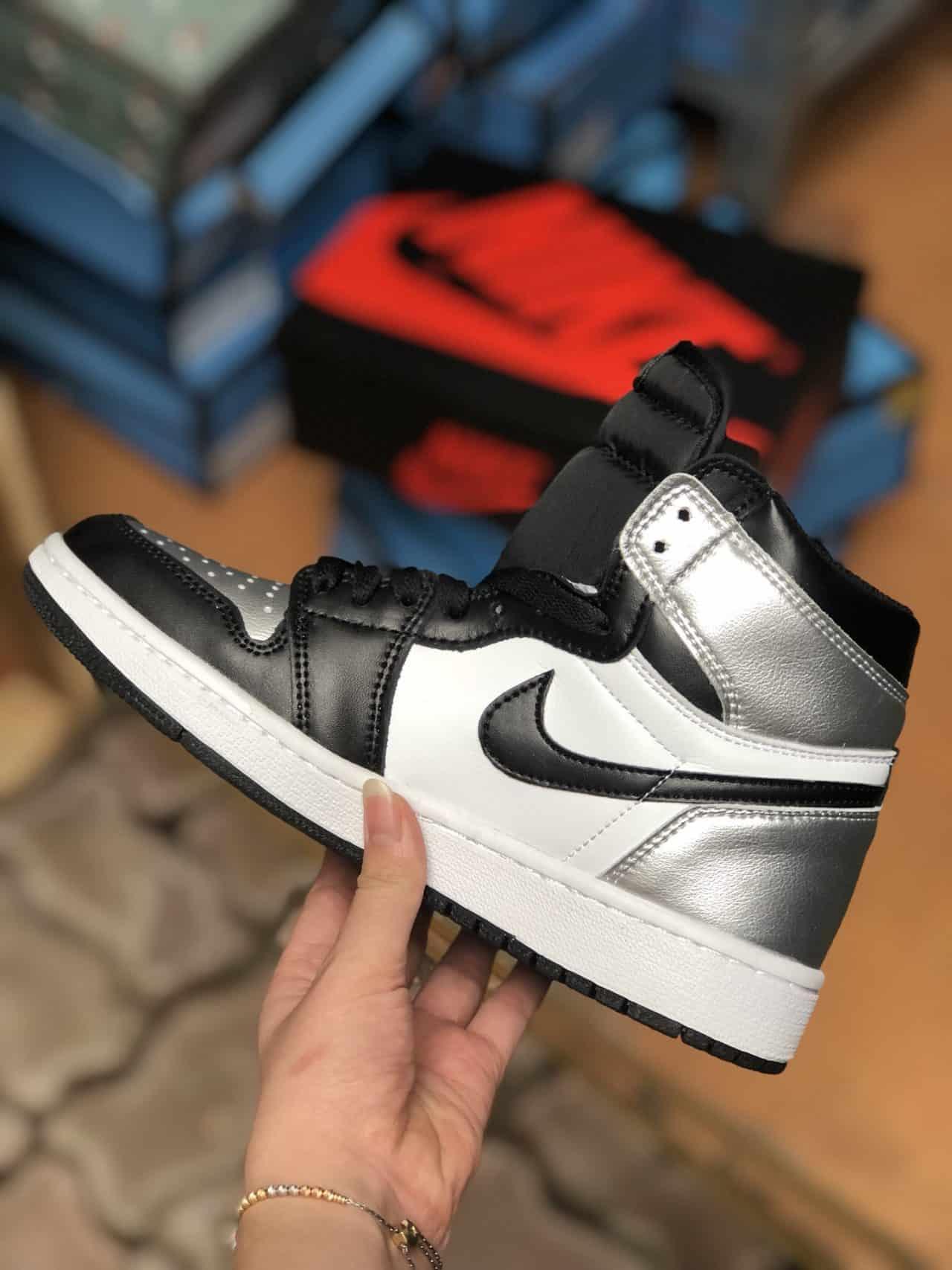 Giày Jordan 1 High Bạc rep 1:1 thể hiện phong cách thời trang hiện đại