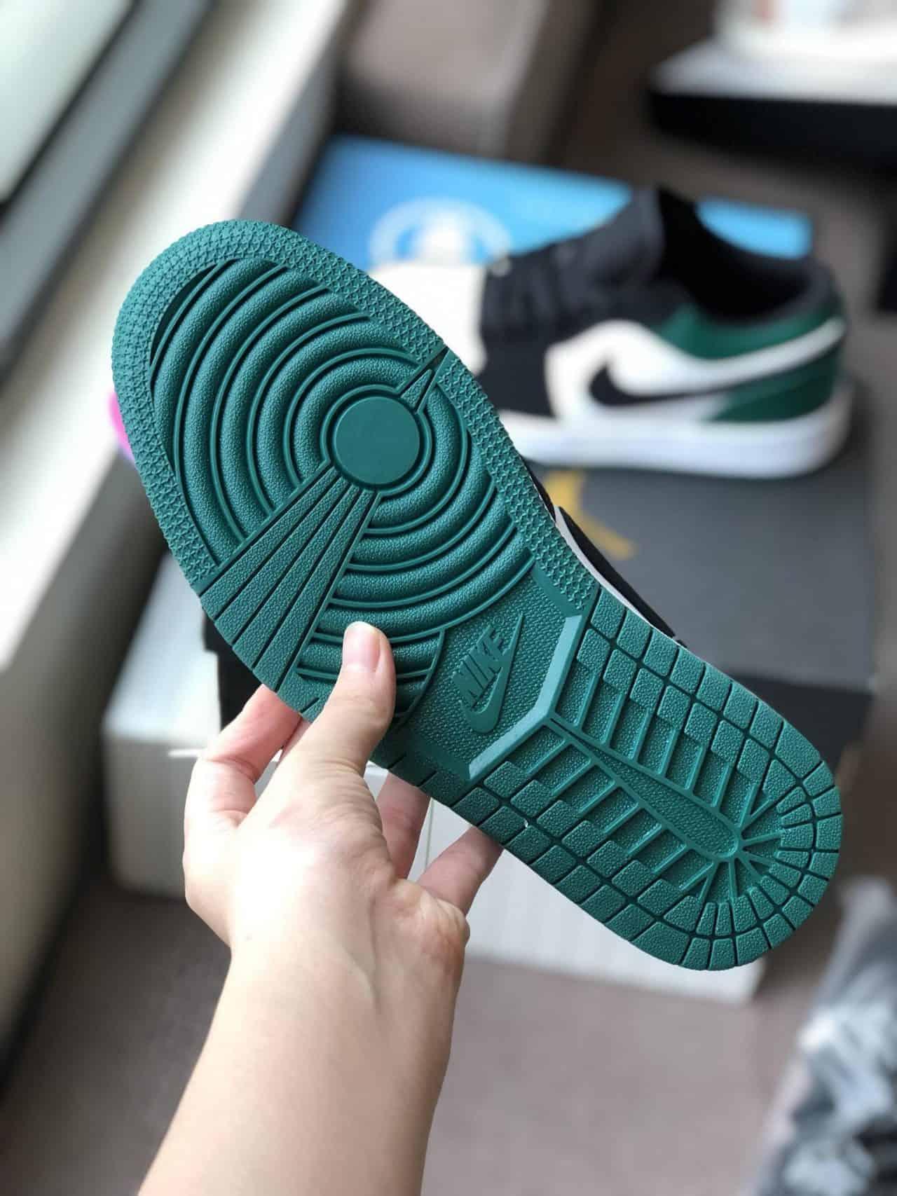 Phần đế giày Nike Air Jordan 1 Low Xanh Đen Rep 1:1 làm bằng cao su