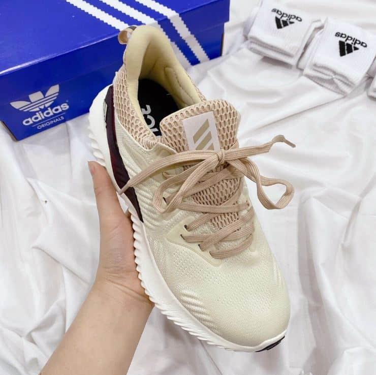 Giày Alphabounce Đen Tím rep 1:1 có thiết kế tinh tế, ai cũng nên sưu tập ngay