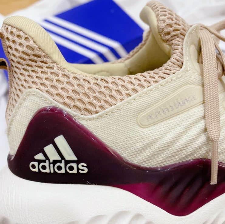 Giày Alphabounce Kem Hồng rep 1:1 có hệ thống vải lưới thoát khí