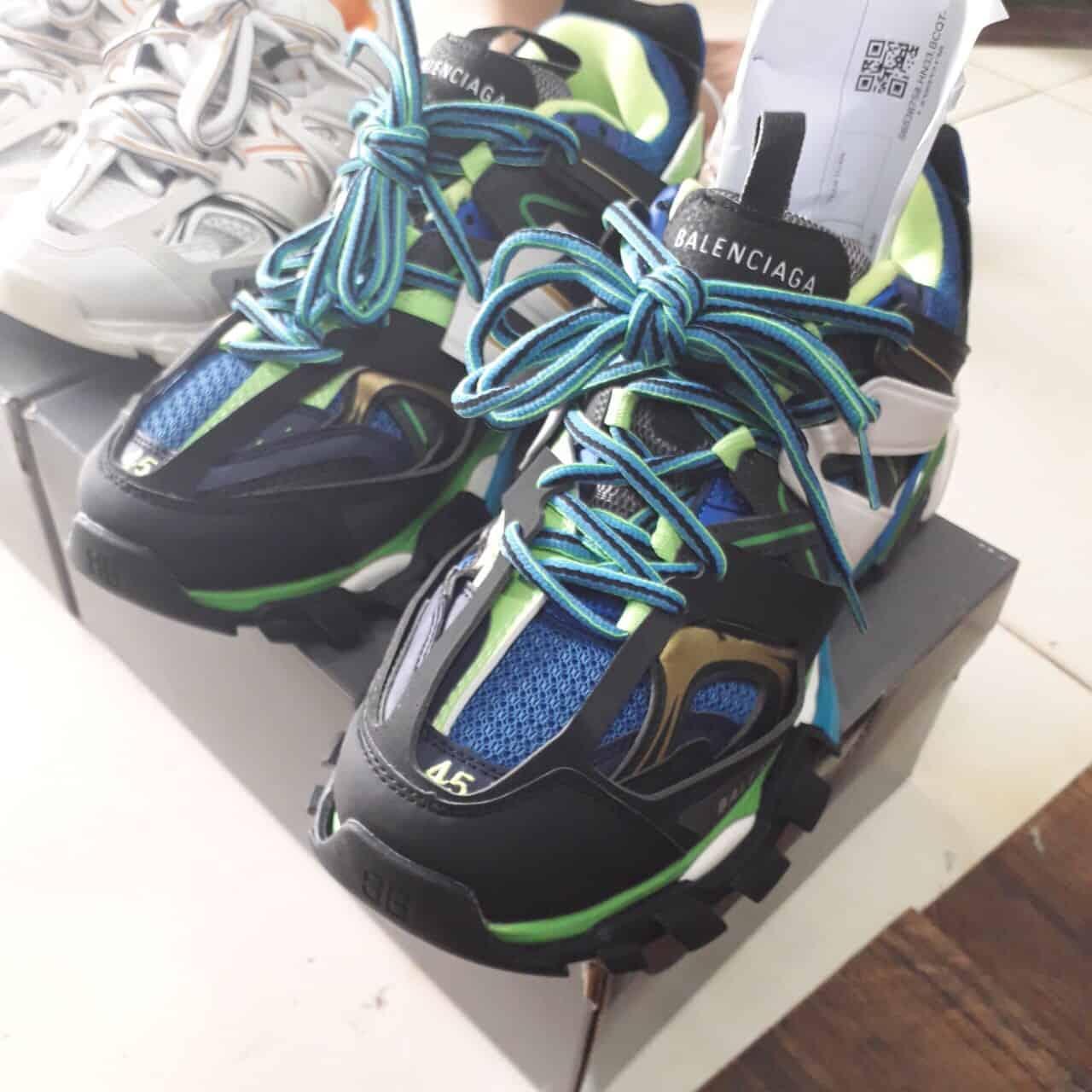 Giày thể thao Balenciaga Track Xanh Đen cuốn hút, ấn tượng với gam màu độc lạ