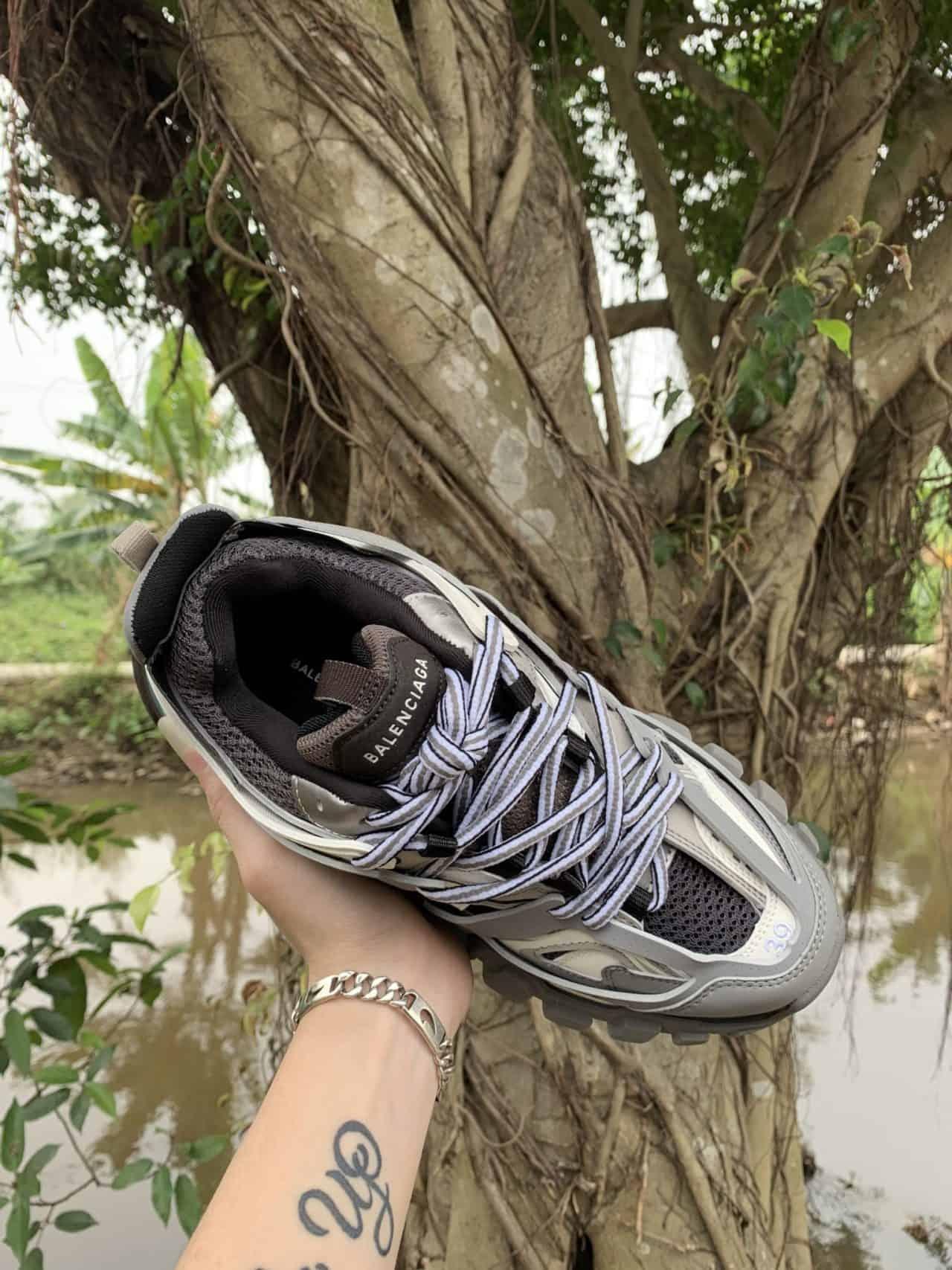 Giày Balenciaga rep 1:1 có phong cách thời trang cool ngầu
