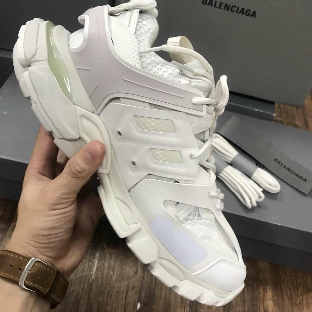 Giày Balenciaga rep 1:1 có thiết kế nhiều lớp da chồng chéo lên nhau