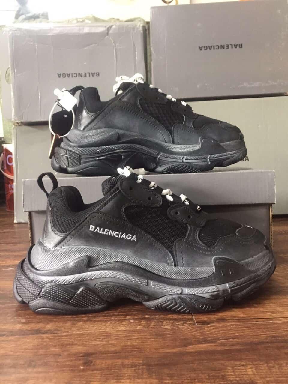 Giày Balenciaga Triple S Đen rep 1:1 được dân chơi Sneaker săn đón