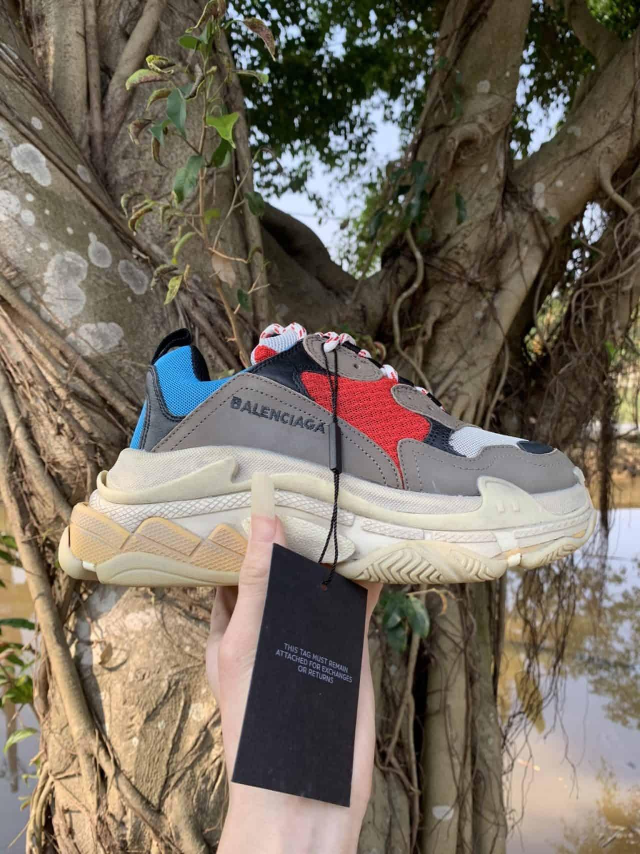 Giày Balenciaga Triple S Đỏ Xanh rep 1:1 là lựa chọn được nhiều bạn đánh giá cao