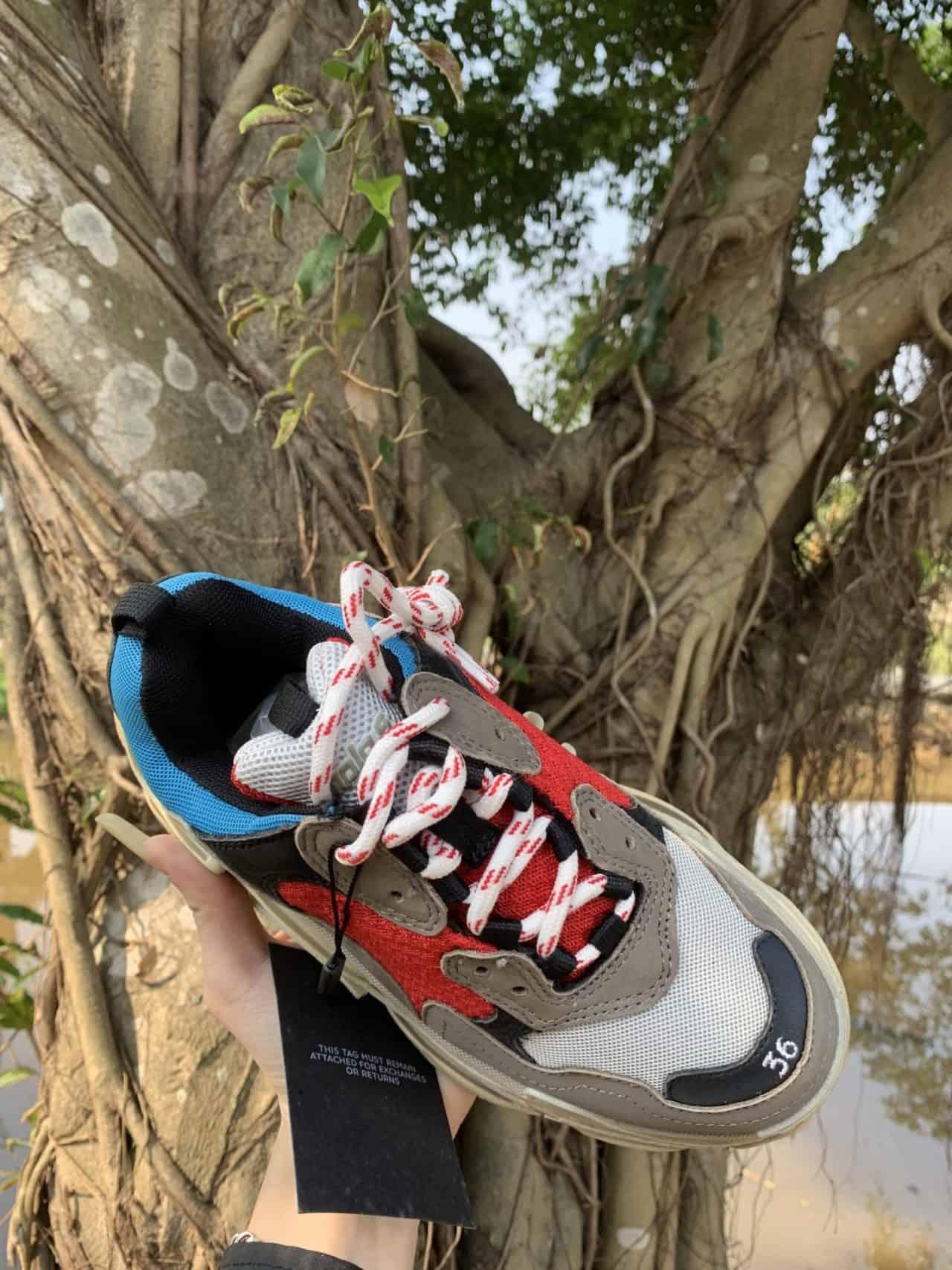 Giày Balenciaga rep 1:1 có cách phối màu cực kỳ ấn tượng
