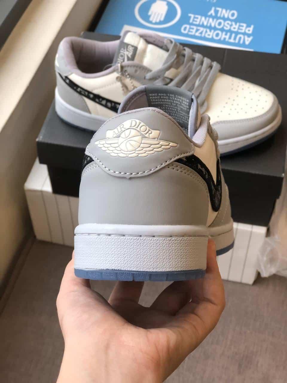 Giày Jordan Dior được gia công tinh tế, tỉ mỉ