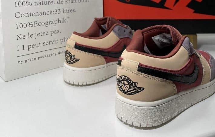 Thiết kế phần sau gót giày cực đẳng cấp, có in nổi Swoosh