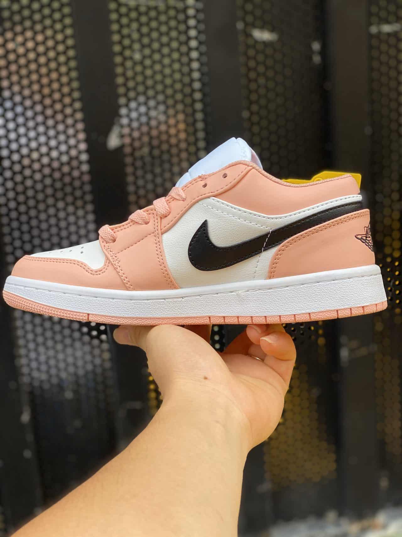Mẫu giày Jordan 1 Low Hồng rep 1:1 có tông màu chủ đạo tươi sáng, đậm chất nữ tính