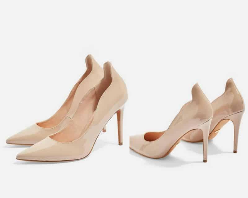 Giày màu be luôn là mẫu outfit lý tưởng cho chiếc đầm màu đen