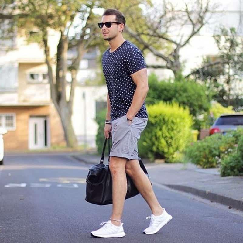Cách phối đồ với giày trắng kết hợp cùng quần short chưa bao giờ là lỗi mốt
