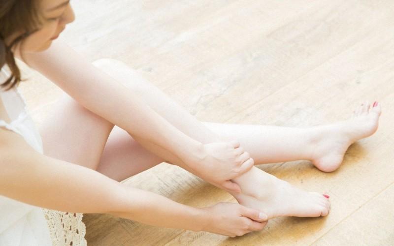 Sử dụng cồn có thể khiến chân bạn bớt mùi hôi
