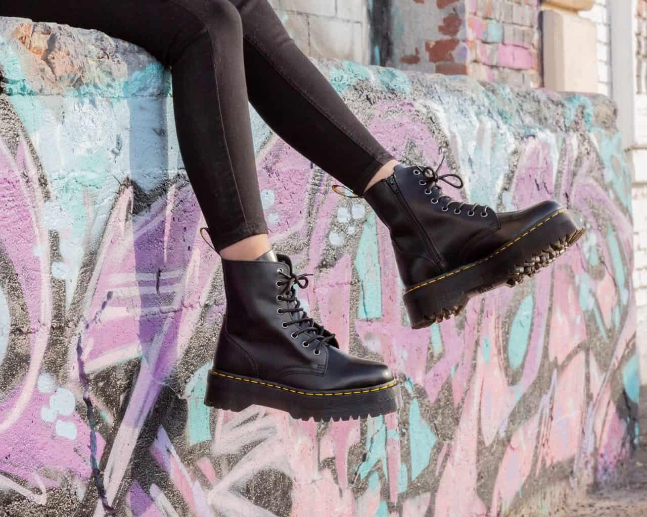 Platform Boots cá tính, giúp người đi ăn gian chiều cao