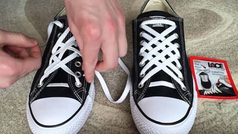 Hướng dẫn thắt dây giày Converse đẹp hình kim cương đơn giản