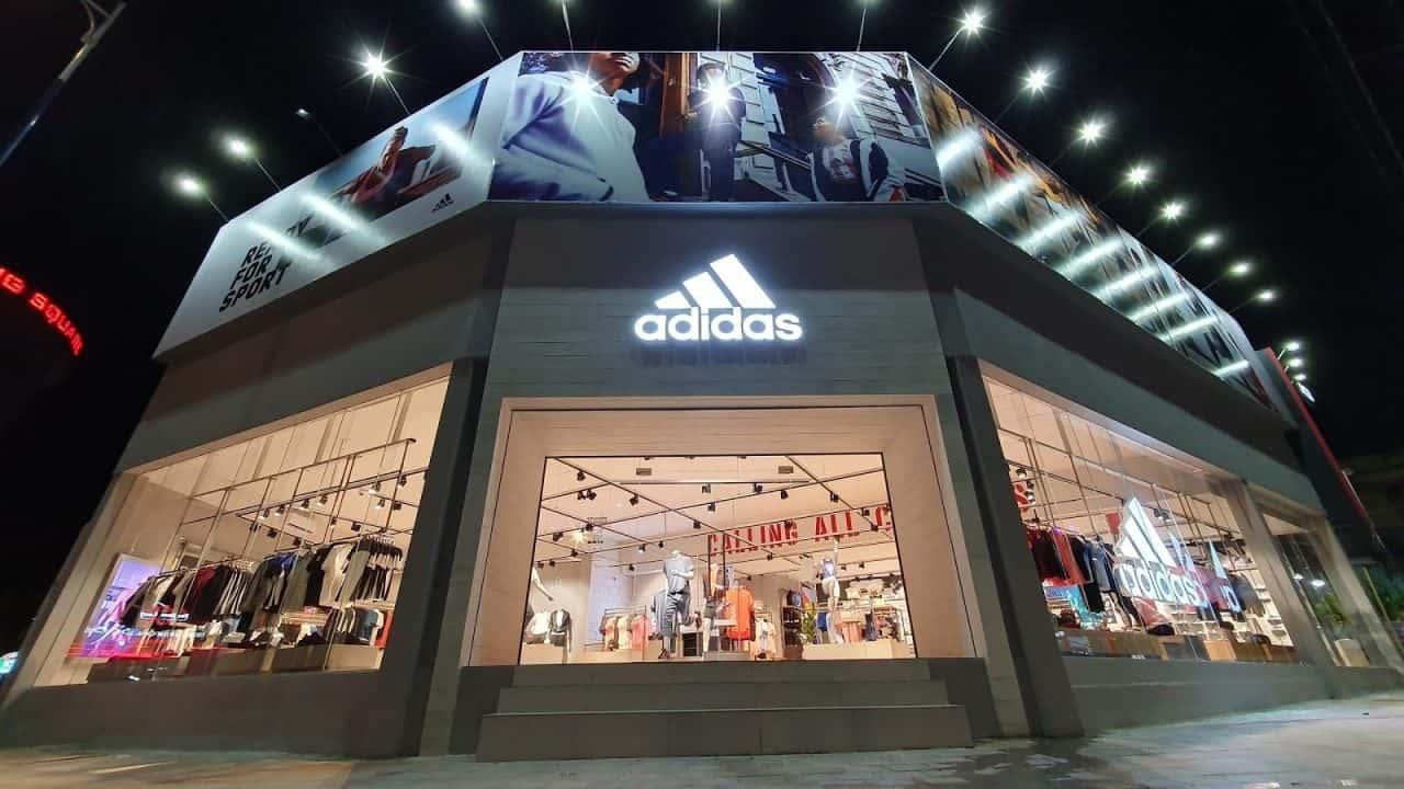 Tại sao giày Adidas lại Made in Vietnam mặc dù được mua tại store chính hãng