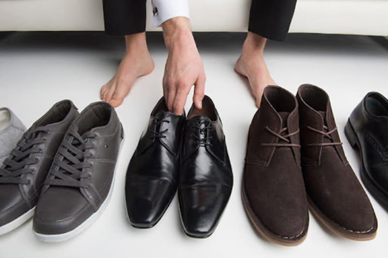 Cách chọn size giày cho nam chuẩn sẽ giúp bạn tự tin, thoải mái thể hiện phong cách