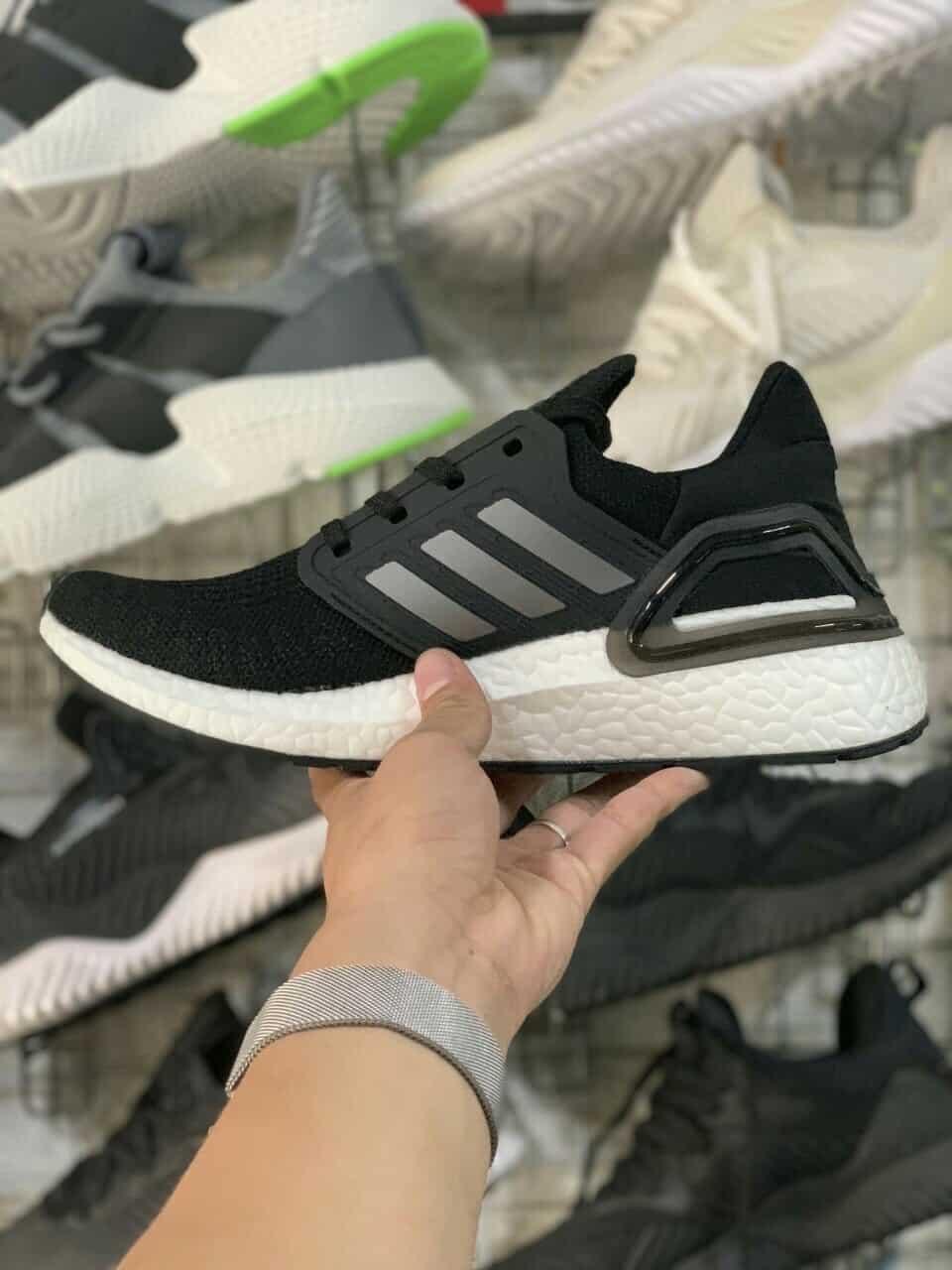 Giày Ultra Boost 6.0 Đen Bạc