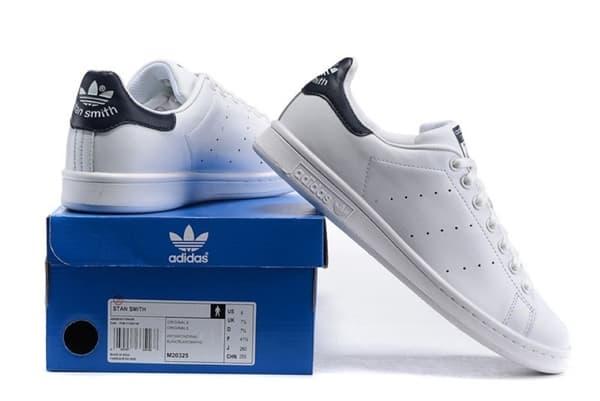 Qua hộp đựng bạn có thể phân biệt được giày Adidas thật và giả