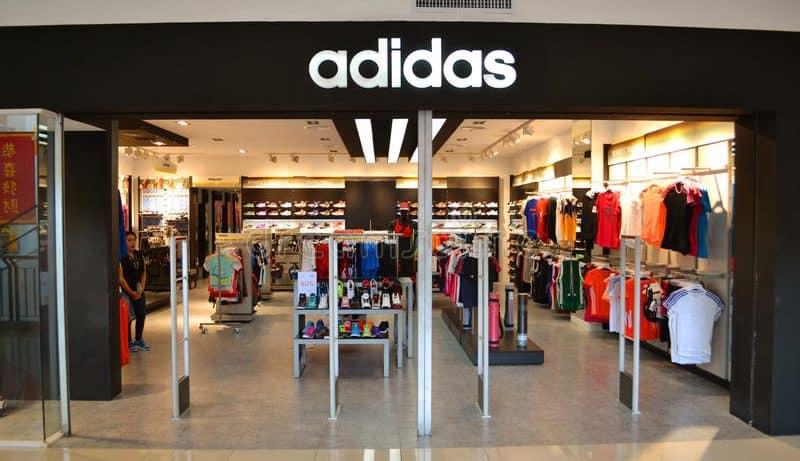Cửa hàng mua giày adidas chính hãng Hà Nội