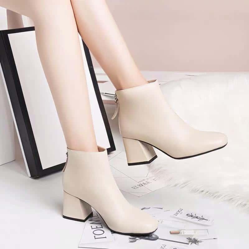 Cận cảnh mẫu giày cao gót Hàn Quốc cổ ngắn