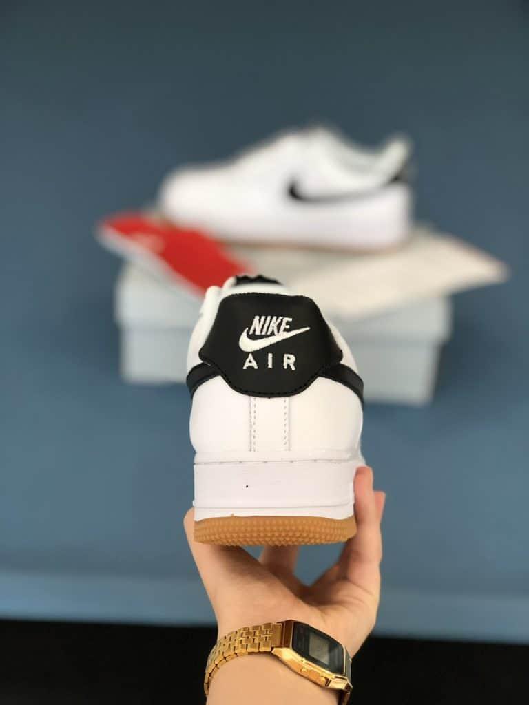 Lựa chọn những cửa hàng bán giày thể thao nam uy tín để mua