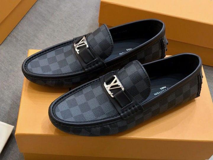 Giày LV chính hãng luôn đảm bảo các đường nét hoàn hảo nhất