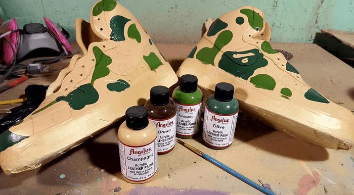 Pha màu acrylic để vẽ giày