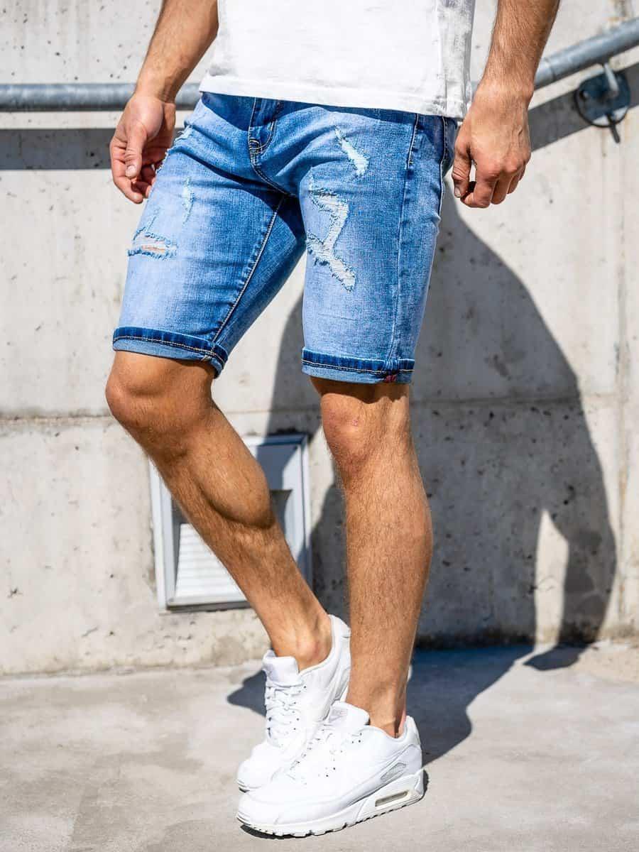 Phối Sneaker với quần jean ngắn và áo thun