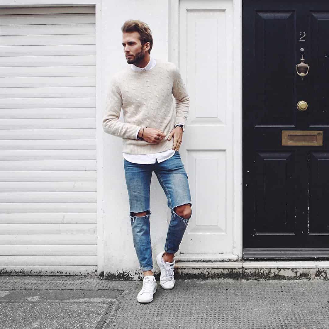 Phối Sneaker với quần jean và áo Sweater
