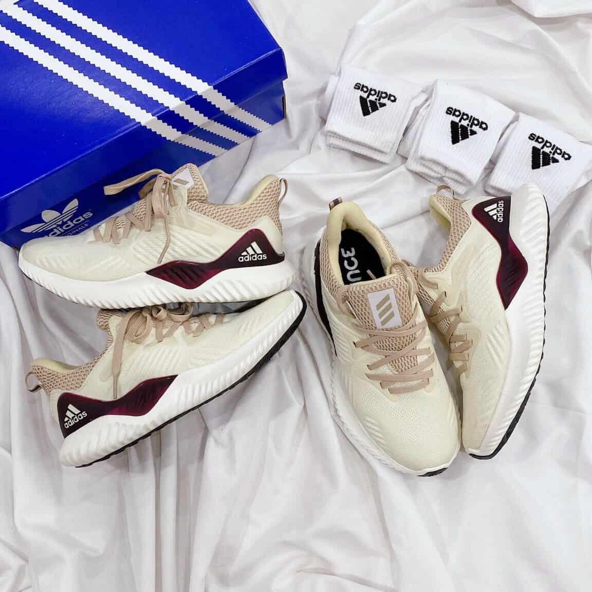 Sản phẩm giày Adidas Rep giống hàng thật 95%