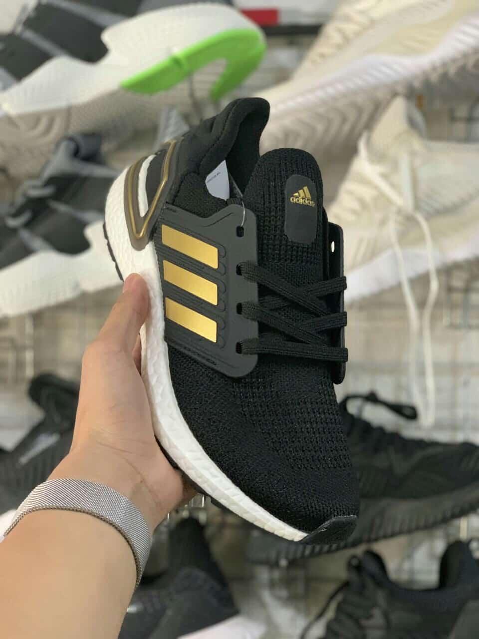 Adidas Ultra Boost 6.0 được các bạn trẻ ưa chuộng nhiều