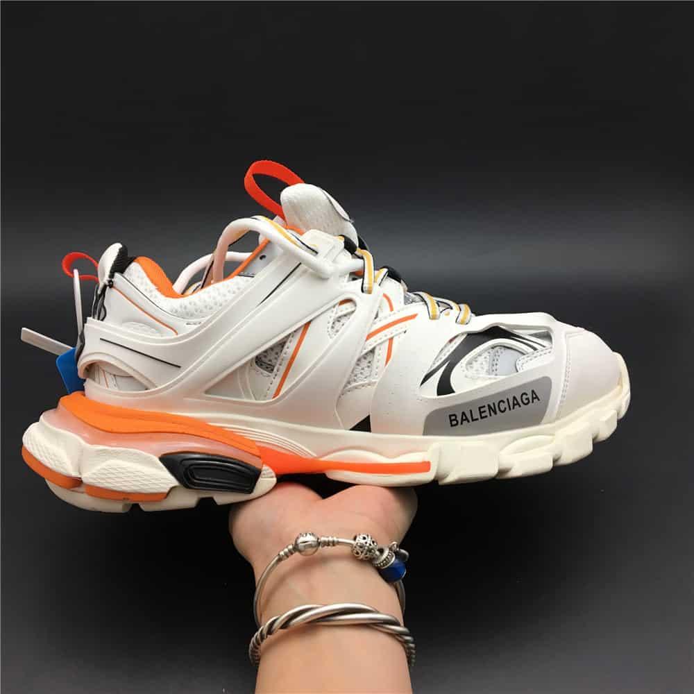 Mẫu giày Balenciaga Track